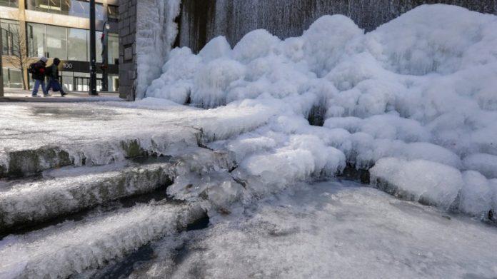 ΗΠΑ: Πολικό ψύχος μετά τον χιονιά – 18 οι νεκροί
