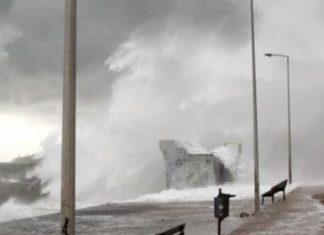 Ισχυροί άνεμοι σαρώνουν τη χώρα