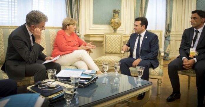 Μέρκελ σε Ζάεφ: «Καλωσορίζω στο Βερολίνο τον... Μακεδόνα Πρωθυπουργό»