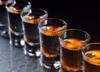 «Καμπανάκι» από τον ΠΟΥ για την σχέση κορωνοϊού και αλκοόλ