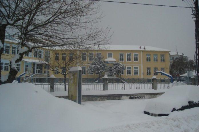 Κλειστά τη Δευτέρα όλα τα σχολεία στην περιφερειακή ενότητα Ηλείας, Λέσβου και Χίου