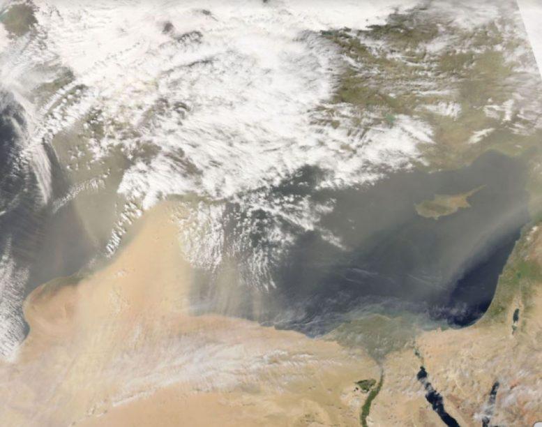 ΑΠΟΚΑΛΥΨΗ: Δεν έχουν τον θεό τους! Απέσπασαν υπάλληλο για να ασχολείται την αφρικανική σκόνη!
