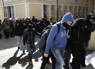 Στη φυλακή οι 4 από τους 7 κατηγορουμένους για συμμετοχή στην ακροδεξιά οργάνωση Combat 18 Hellas