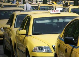 Αθήνα: Γυναίκα γέννησε μέσα σε ταξί