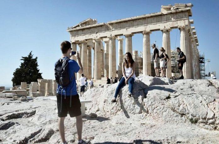 Άνοιξαν οι αρχαιολογικοί χώροι