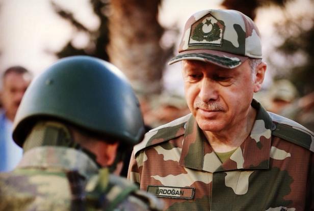 Ερντογάν: Οι οκτώ πήγαν να με σκοτώσουν αλλά για τους δύο Έλληνες ξεσηκώθηκε η Δύση