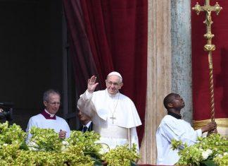 Με λαμπρότητα γιορτάστηκε το Πάσχα των Καθολικών - Κατανυκτική η ατμόσφαιρα στο Βατικανό