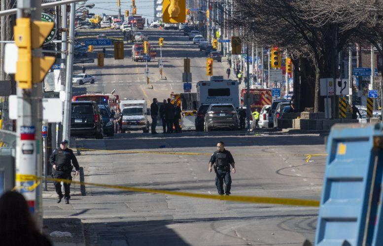 ΤΟΡΟΝΤΟ: 10 νεκροί και 15 τραυματίες από πτώση οχήματος σε πεζούς