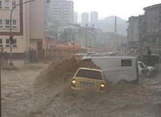 Πρωτοφανείς πλημμύρες στην Άγκυρα