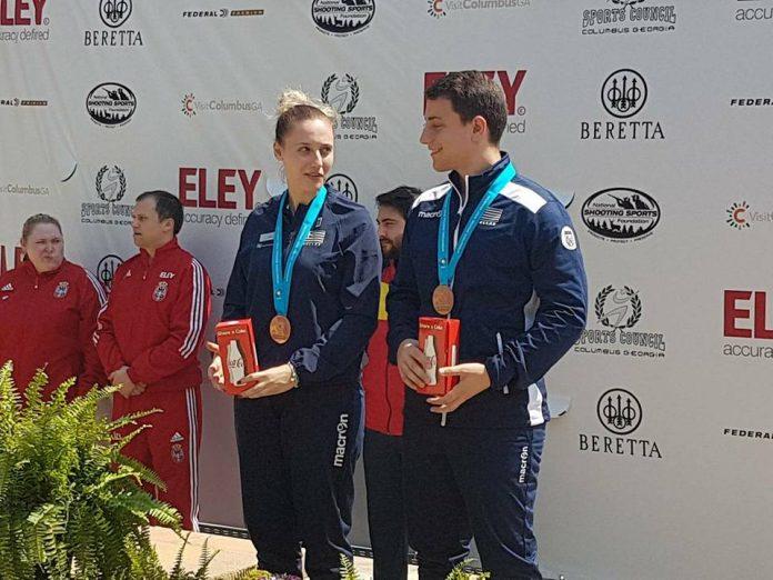 Χάλκινο μετάλλιο για την Άννα Κορακάκη και τον αδερφό της