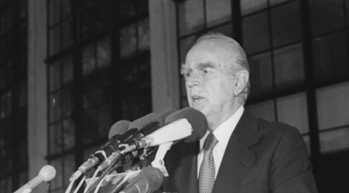 Κωνσταντίνος Καραμανλής: Γεννήθηκε στις 8 Μαρτίου 1907