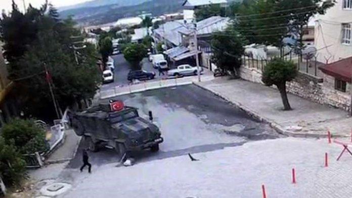 ΤΟΥΡΚΙΑ: Φορτηγό του στρατού παρασύρει γυναίκα - Σκληρές εικόνες