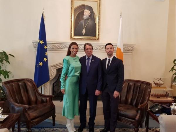 Έτσι πήγε ντυμένη η Φουρέιρα στο Προεδρικό Μέγαρο!
