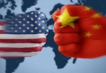 """Η Κίνα αποτελεί """"τη μεγαλύτερη απειλή για τη δημοκρατία στον κόσμο"""" σήμερα"""