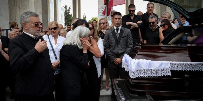 Το τελευταίο αντίο στον Μάνο Ελευθερίου