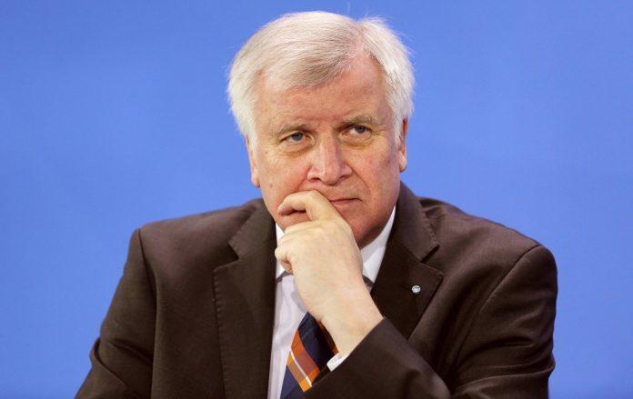 ΒΕΡΟΛΙΝΟ: Παραιτείτε από την προεδρία του CSU ο Ζέεχοφερ