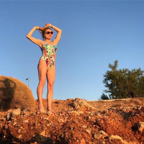 Σμαράγδα Καρύδη: Κορμάρα στα 48 της