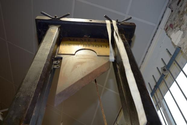 Πωλήθηκε σε δημοπρασία έναντι 8.000 ευρώ γκιλοτίνα που χρονολογείται από τη Γαλλική Επανάσταση