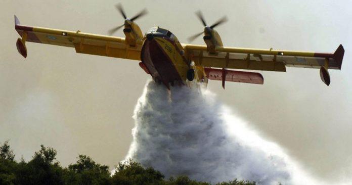 Σε εξέλιξη πυρκαγιά σε δασική έκταση στο Λαύριο
