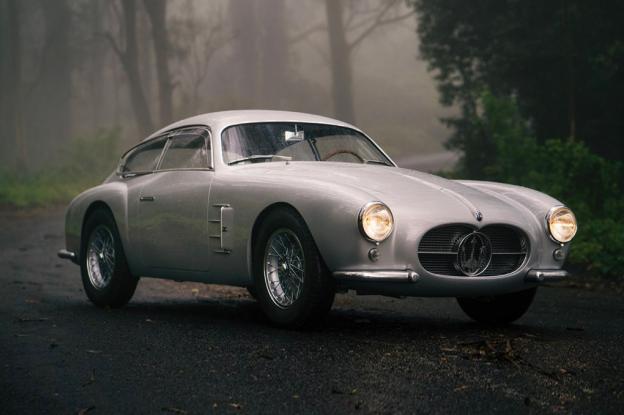 Στο σφυρί βγαίνει μία σπάνια χειροποίητη Maserati του 1956