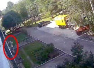 Δύο εργάτες - ήρωες έπιασαν στον αέρα 3χρονο παιδί