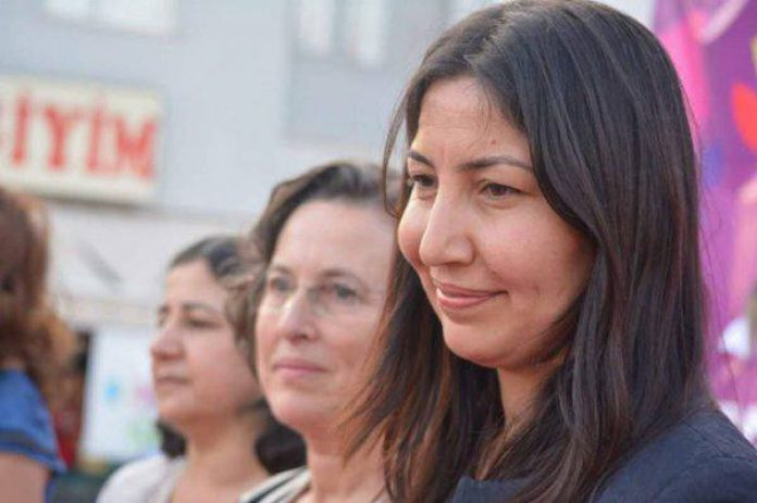 Τουρκάλα πρώην βουλευτής ζήτησε άσυλο