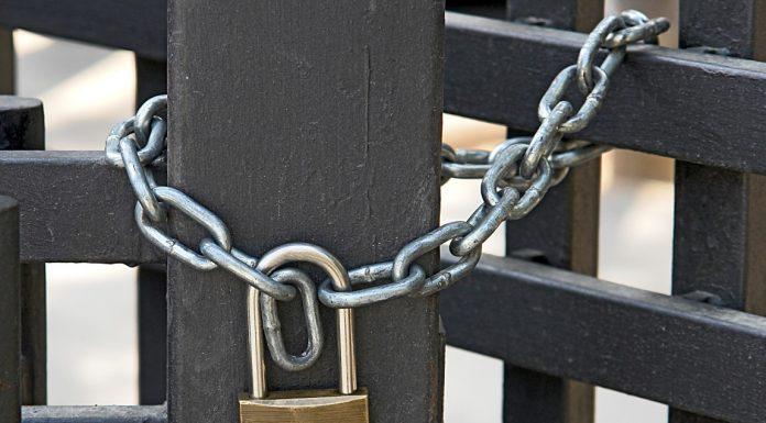 """Υπουργείο Εργασίας: Αποφάσισε εργασιακό… """"lock down"""" σε πέντε οικισμούς της χώρας"""