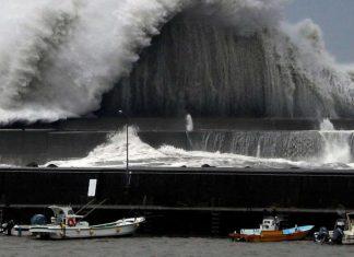 ΙΑΠΩΝΙΑ: Ο τυφώνας Τζέμπι σαρώνει – Τουλάχιστον έξι νεκροί