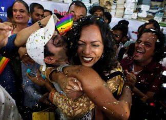 Ινδία: Αποποινικοποιήθηκε η ομοφυλοφιλία μετά από 157 χρόνια