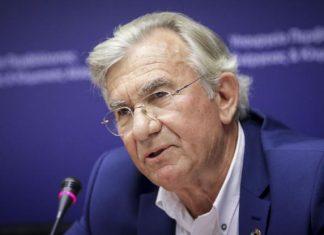 Με μια συγκινητική ανάρτηση ο υφυπουργός Γιώργος Δημαράς αποχαιρετά τον γιο του