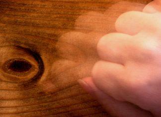 Από πού προήλθε η φράση ...«Χτύπα ξύλο»