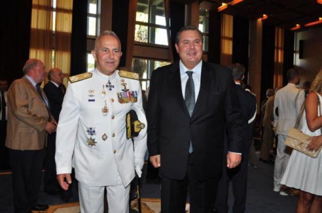 Στο υπουργείο Άμυνας ο Αποστολάκης με τις ευχές Καμμένου