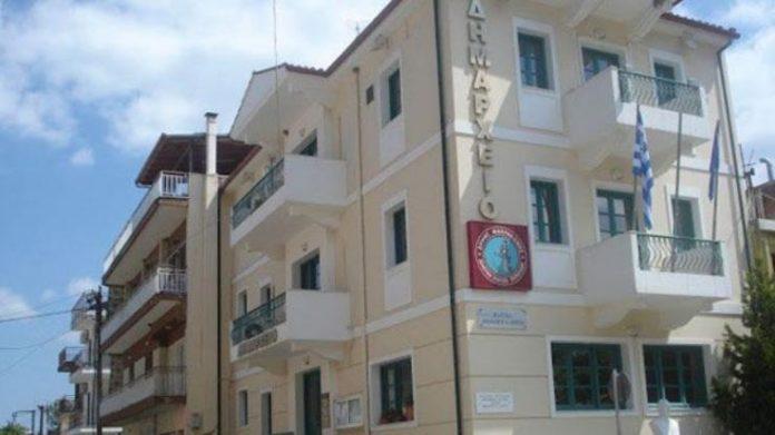 Φθιώτιδα: Αντιδήμαρχος έπιασε από τον λαιμό υπάλληλο