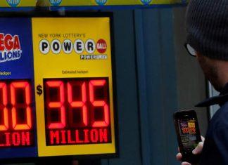 ΗΠΑ: Απίστευτο! Κοντά στο 1 δισ. δολάρια το τζακπότ του παιχνιδιού Mega Millions