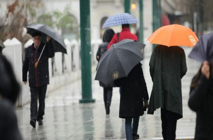 Καιρός - Κυριακή: Καταιγίδες, βροχές και κρύο