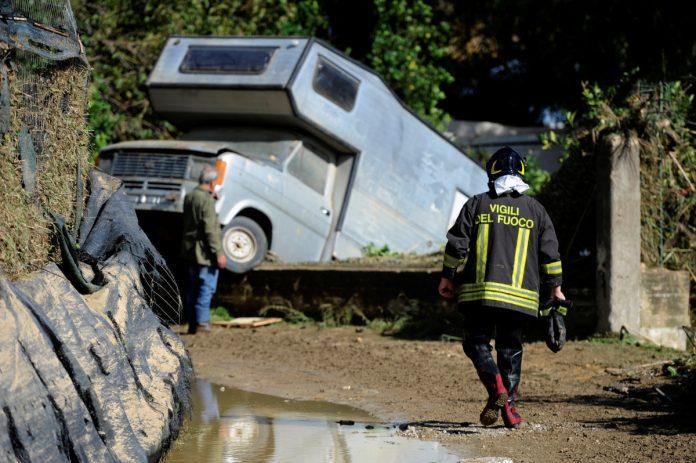ΙΤΑΛΙΑ: Αυξάνονται οι νεκροί από την κακοκαιρία στη Σικελία