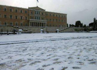 Καιρός: Ο «Τηλέμαχος» έφτασε στην Αττική - Πού χιονίζει τώρα