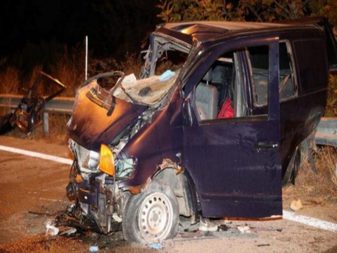 Θεσσαλονίκη: Νεκρό 4χρονο αγοράκι από τη σφοδρή σύγκρουση φορτηγού με βαν