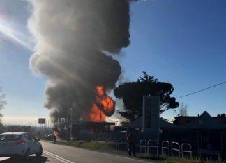 Ιταλία: Δύο νεκροί και δέκα τραυματίες από έκρηξη σε βενζινάδικο