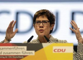 Νέα πρόεδρος του CDU η Άνεγκρετ Κραμπ-Καρενμπάουερ