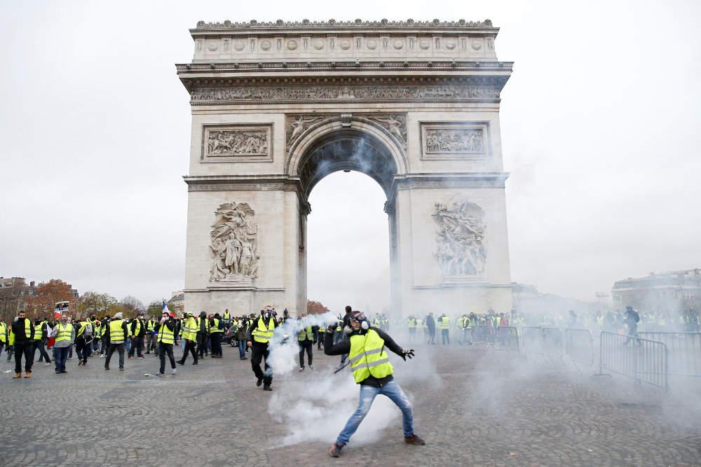 """Παρίσι, συλλήψεις, τραυματίες, ζημιές, """"κίτρινα γιλέκα"""","""