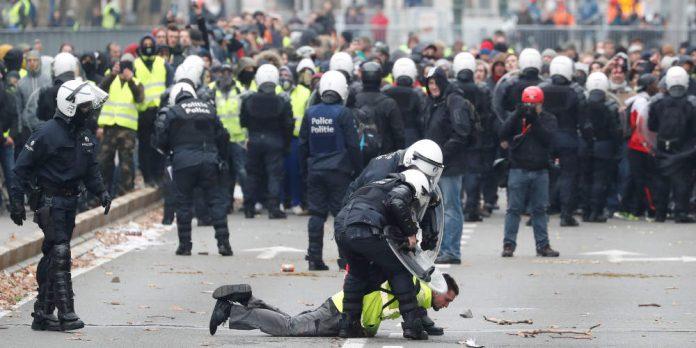 ΠΑΡΙΣΙ: Στο δρόμο 7.400 αστυνομικοί ενόψει Πρωτομαγιάς