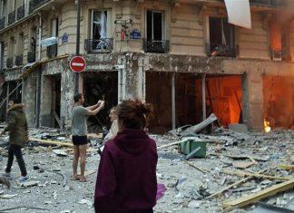 ΠΑΡΙΣΙ: Δύο πυροσβέστες και μία Ισπανίδα τουρίστρια νεκροί από την έκρηξη