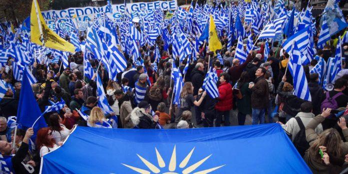 Το κύκνειο άσμα του «μακεδονομαχισμού» πυροδοτεί τη συγκρότηση ενός νέου δημοκρατικού και προοδευτικού δρόμου