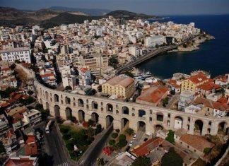 Η είδηση πέρασε «στο ντούκου» αλλά δεν είναι για πέταμα. Οι Αμερικανοί αναρωτιούνται, λέει, αν η Καβάλα ανήκει στους (Βόρειο) Μακεδόνες ή στους Έλληνες.