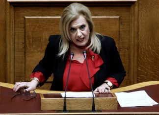 """Με ...ελαφρά πηδηματάκια την """"κάνει"""" η Μεγαλοοικονόμου από τον ΣΥΡΙΖΑ"""
