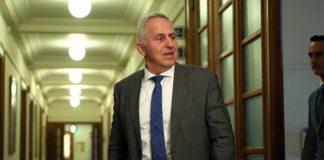 Αποστολάκης: Κάνουμε τιτάνια προσπάθεια να μην ανταποκριθούμε στις τουρκικές προκλήσεις