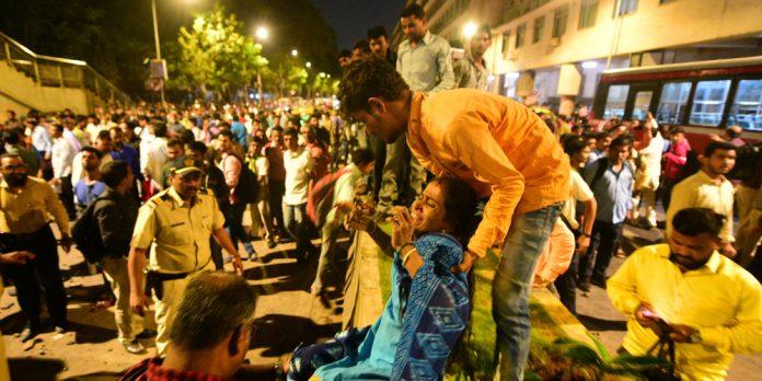ΙΝΔΙΑ: Πέντε νεκροί και 36 τραυματίες από την κατάρρευση πεζογέφυρας στο Μουμπάι