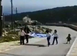 Γαύδος: Ρίγη συγκίνησης από την παρέλαση των τριών μαθητών