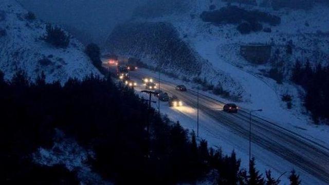 Φθιώτιδα: Έντονη χιονόπτωση προς Δομοκό